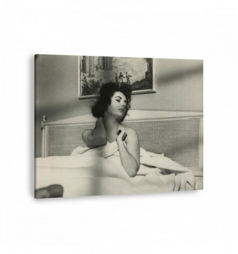 Elizabeth Taylor in Bed